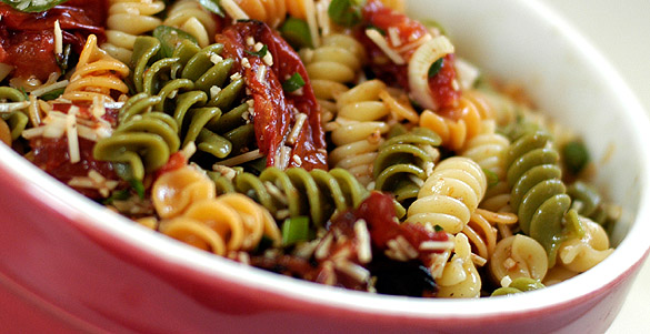 I M Going To A Graduation Party Tonight And Was Asked To Bring A Side Dish For The Festivities To Me Pasta Salad Is A Staple At Any Barbecue And To Make